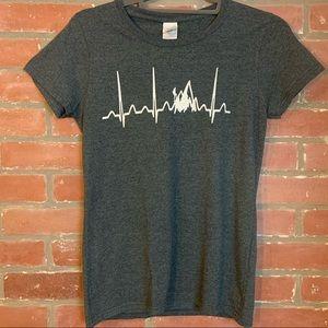 Gildan Mountain Peak Heart Rhythm T Shirt